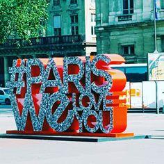 Specchietti per turisti #parisweloveyou