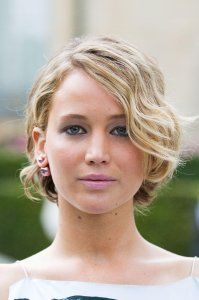<center> Jennifer Lawrence wows as usual with tousled waves that are great for adding in some extra volume!