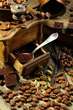 Image of 'Ground coffee in an old mill, chocolate and cardamom' on Colourbox