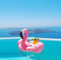 Porte-verre gonflable #pink #flamingo #flamant #rose #Sunnylife #fun #summer #summerlife #swimmingpool #holidays #vacances #ete2017