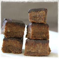 Hmmmm, wat is dit lekker zeg! Een verrukkelijke combinatie van chocolade en karamel en ook nog eens met alleen maar gezonde ingrediënten...