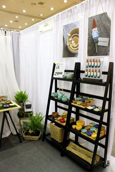 1000 images about display shelves on pinterest portable for How to make display shelves for craft show