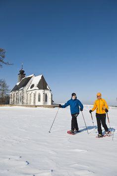 #Schneeschuhwandern durch das #Mühlviertel. Alle Infos uns #Urlaubsangebote unter www.muehlviertel.at/winteraktivitaeten ©Tourismusverband Mühlviertler Kernland/Erber