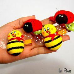 Olá tudo bem??    Depois do sucesso das Joaninhas <3 resolvi fazer o vídeo com o passo a passo das abelhinhas,vou fazer um breve resumo sobr...