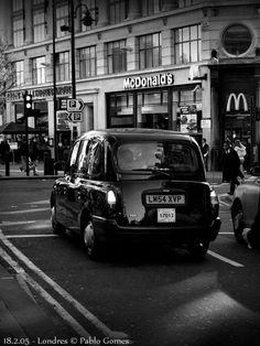[2005 - Londres / London - Inglaterra / England] #fotografia #fotografias #photography #foto #fotos #photo #photos #local #locais #locals #cidade #cidades #ciudad #ciudades #city #cities #europa #europe #turismo #tourism #taxi #transporte #transportes #transport #transports