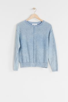 Get a light layer for chilly mornings and nights with our Kinsley Sweat, made from organic cotton. This sweater also features ribbed details. Pair back with your favourite denim. The goodness in Vintage Knitting, Your Favorite, Long Sleeve Tops, Organic Cotton, Knitwear, Pairs, Denim, Sweatshirts, Mornings
