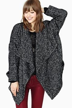 When the cold comes in, keep things toasty with new moto jackets, blazers, cape coats, and anoraks. Nasty Gal knows how to heat you up! Cold Weather Outfits, Winter Coats Women, Street Style Looks, Office Outfits, Curvy Fashion, Autumn Winter Fashion, Vintage Outfits, Vintage Clothing, Beautiful Outfits