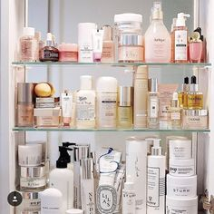 "632 Likes, 5 Comments - @commandments_ on Instagram: ""Dream shelf #goopbeauty #goodcleangoop #itgtopshelfie #intothegloss #topshelf"""
