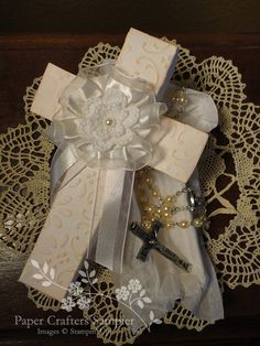 Christening Cross Gift Box by Msmellys - Cards and Paper Crafts at Splitcoaststampers Wedding Boxes, Wedding Favors, Christening Centerpieces, Crosses Decor, Easter Cross, Christening Gifts, First Communion, 3 D, Stampin Up