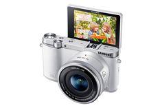 Smart Camera NX3000 & 16-50mm PZ Lens Kit (White)