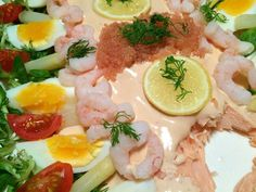 Laks Bellevue – retro for fuld udblæsning Easy Salmon Recipes, Shellfish Recipes, Danish Food, Fish Dishes, Fish And Seafood, Tapas, Snacks, Good Food, Appetizers