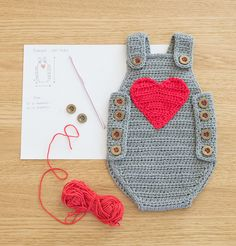 Crochet Baby Romper - Baby Joy by Croby Patterns This sweet little pattern is available to purchase for a wee fee via Ravelry - buy it now. Crochet Bebe, Crochet For Kids, Baby Blanket Crochet, Crochet Poncho, Ravelry Crochet, Loom Knitting, Baby Knitting, Crochet Clothes, Crochet Toys