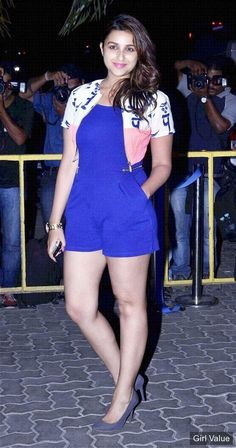 parineeti chopra wore a brightly coloured playsuit at karan johar s birthday bash photos eyes style hair pics pictures images ch Indian Bollywood Actress, Indian Actress Hot Pics, Bollywood Actress Hot Photos, Bollywood Girls, Beautiful Bollywood Actress, Bollywood Fashion, Indian Actresses, Bollywood Heroine, Hindi Actress