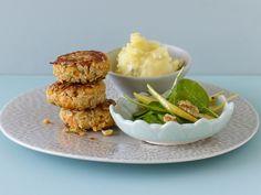 Möhrenfrikadellen mit Birnenpüree - smarter - Kalorien: 641 Kcal - Zeit: 50 Min. | eatsmarter.de