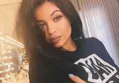 Kylie Jenner - com o real poder do olhar ela da exemplo de verdade.#èmuitomais