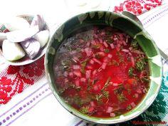 Bors de sfecla rosie! Simplu si delicios, iar culoare te imbie….. Ingrediente: - 1-2 sfecle rosii (depide de marime, una mijlocie este suficienta) - 1/2 litru bors de tarate - 4-5 cartofi mijlocii - 1 morcovi - 1 radacina patrunjel sau o bucata telina - 1 ceapa - 1 legatura de patrunjel - 4 linguri ulei - Sare ( Se poate servi si cu smantana) Romanian Food, Romanian Recipes, Beetroot Soup, Soul Food, Food To Make, Delish, Vegetarian Recipes, Cooking, Ethnic Recipes