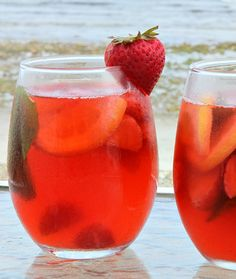 Super Easy Strawberry Sangria Recipe