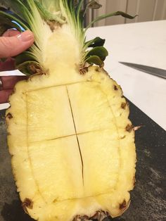 how to cut a pineapple into a fruit bowl; tropical fr… how to cut a pineapple into a fruit bowl; fruit appetizer for a party Fruit Appetizers, Appetizers For Party, Tropical Appetizers, Fruit Snacks, Party Snacks, Iftar, Fruits And Vegetables List, Seasonal Fruits, Pineapple Bowl