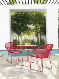 The iconic '50s hoop chair is brilliantly reimagined.   Fresh + Fab Outdoor Pad