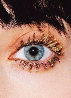 CELlNE gold eyelashes  #makeup
