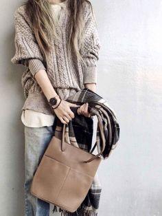 アラフォー&アラフィフにおすすめ!おしゃれ偏差値が上がる「ブランド」4つ - senken trend news-最新ファッションニュース Rebecca Minkoff, Female, Fashion, Moda, Fashion Styles, Fasion