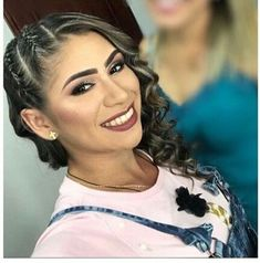 Peinados de trenzas de lado y cabello suelto Castro del Rio Bridal Hairstyles With Braids, Little Girl Hairstyles, Pretty Hairstyles, Braided Hairstyles, Braid Out, Hair Tattoos, Beautiful Braids, Toddler Hair, Hair Today