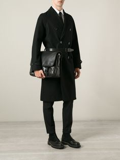 #givenchy #bag #shoulderbag #briefcase #black #man #style www.jofre.eu