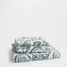 FLORAL VELOUR TOWEL - Towels - Bathroom | Zara Home United States