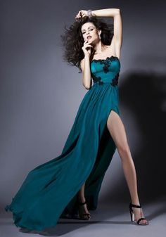 Bien Savvy - Rochii de seara - FALL IN LOVE 2013 - I AM UNIQUE Steppin out.