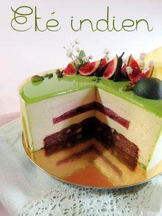 Entremets (brownie pistaches et noix, compotée figues, crémeux vanille et poivre Pippali, bavaroise pistache, montage, glaçage)