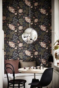 Flora home decor trend - floral wallpaper - interior trends 2016 - ITALIANBARK interior design blog #flowerdecor #wallpapers #floralwallpaper