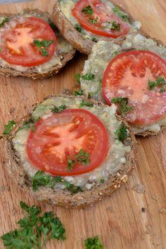 Tvarůžková dobrota — Břicháč Tom Camembert Cheese, Pizza, Fitness, Recipes, Food, Life, Mascarpone, Meals, Eten