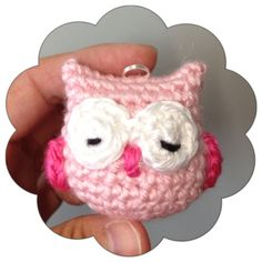 Mini Owl Charm - Free Amigurumi Pattern English and Japanese here: http://ddscrochet.pixnet.net/blog/post/278776712 PDF File here: http://www.ravelry.com/patterns/library/crochet-owl-owl-owl-charm-doll-toy