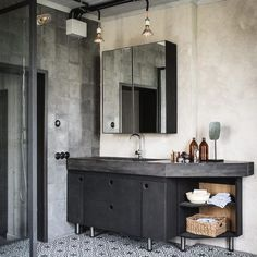 Vintage Industrial Decor my scandinavian home: Cool industrial meets cosy rustic in a Swedish home conversion - Will you look at that? Have you got any fun plans for the weekend? As always I'd love to be heading off. Industrial Bathroom Design, Industrial Interior Design, Vintage Industrial Decor, Industrial Living, Industrial Interiors, Bathroom Interior, Vintage Home Decor, Decor Interior Design, Industrial Style