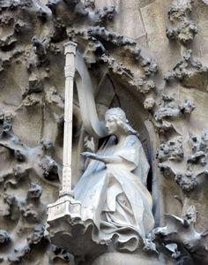 Sagrada Familia Barcelona Harpist Barcelona Sights, Antoni Gaudi, Spain And Portugal, Spain Travel, Art And Architecture, Fractals, Art Decor, Beautiful Places, Scenery