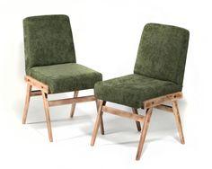 Krzesło tapicerowane vintage projektu prof. Józefa Chierowskiego.Krzesło wykonane jest z naturalnego bukowego drewna, olejowane i…
