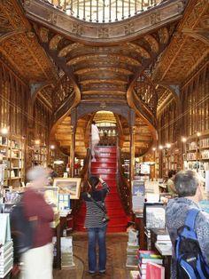 "Livraria Lello em esplendor ""cool"" na Travel+Leisure e na Time"