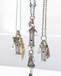 Made from recycled knife handles and souvenir pennies, these rustic birdhouse necklaces by Shelleen Weeks are darling do-overs that give new life to odds and ends, in the summer issue of Jewelry Affaire. Fork Jewelry, Metal Jewelry, Beaded Jewelry, Vintage Jewelry, Jewelry Crafts, Jewelry Art, Jewelry Design, Pandora Jewelry, Diy Schmuck