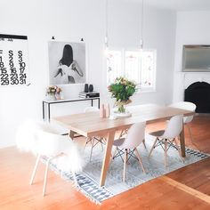 Strategies for The Best Minimalist Dining Room Decor Ideas That You Can Use Starting Today - kindledesignhome Minimalist Dining Room, Classic Dining Room, Home Design, Home Office Design, Design Ideas, Home Interior, Interior Design, Living Tv, Living Comedor
