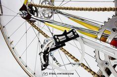 #track #bike #steel #fixed #gear