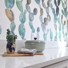 My other #cactiwallpaper from @flippinwendy hands! Check her redesigns and ideas. Greets!  removablewallpaper #coloray #cacti #cactuswallpaper #lovecoloray #coloraydecor #coloray #fototapeta