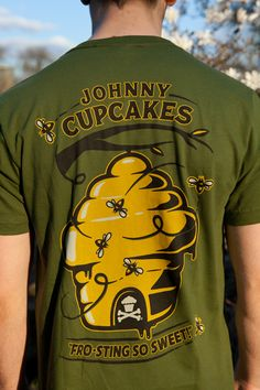 Bumblebee Guys back   #johnnycupcakes #fashion #apiculture #bee #honey