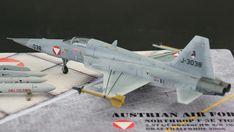 Maßstab: 1:72   Einzelteile: 51   Länge: 200mm   Spannweite: 112mm Tiger Ii, Us Navy, Scale Models, Austria, Air Force, Fighter Jets, Aircraft, World, Creative