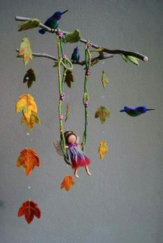I want every single one of this artist's mobiles.for myself! Best mobiles ever! I want every single one of this artist's mobiles.for myself! Best mobiles ever! Felt Crafts, Diy Crafts, Baby Dekor, Crafts For Kids, Arts And Crafts, Autumn Fairy, Felt Fairy, Creation Deco, Nature Table