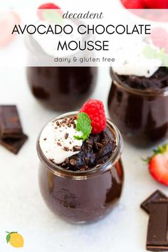 Easy, delicious and decadent, this vegan avocado chocolate mousse is a skin loving dessert with only 6 plant based ingredients! Healthy Dessert Recipes, Vegan Desserts, Delicious Desserts, Vegan Sweets, Healthy Treats, Dairy Free Brownies, Gluten Free Cupcakes, Dairy Free Recipes, Vegan Recipes
