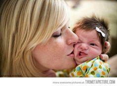OMG, this baby!!!  HAHAHAHA