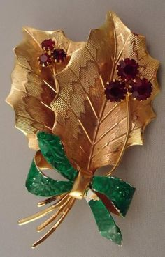 Vintage Christmas Tree Holly Berry Rhinestones Bow Pin Brooch Signed St. Labre