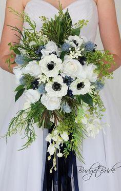 Wedding Flower Guide, White Wedding Flowers, Bridal Flowers, Flower Bouquet Wedding, Floral Wedding, Trendy Wedding, Cascading Wedding Bouquets, Flower Arrangements For Weddings, March Wedding Flowers