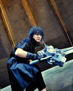 So excited to be making a NEW Final Fantasy 15 Noctis cosplay this year just in time for the game to come out! The first time I cosplayed Noctis was 10 years ago when the game was first announced and he didn't even have a name yet.  Now I'm super pumped to be able to cosplay him again and also celebrate almost exactly 10 years of Ven and me cosplaying as a team as Deep Dive Cosplay!! It will be interesting to see how my own skills have evolved as a crafter and propbuilder after 10 years…