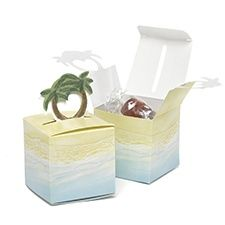 Favor boxes with beach illustration and pop-up palm tree accent. Packaged in Palm Pop-Up Favor Boxes Wedding Favor Boxes, Wedding Favors For Guests, Card Box Wedding, Unique Wedding Favors, Wedding Ideas, Pool Party Favors, Pop Up Invitation, Beach Wedding Reception, Destination Wedding